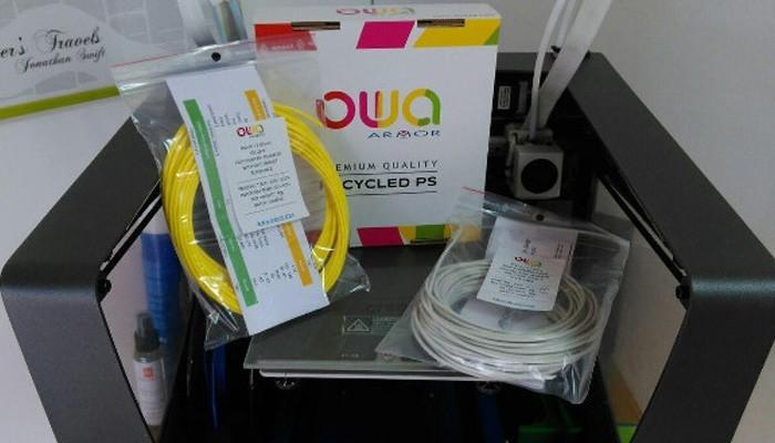 Une imprimante 3D FDM et des filaments 3D OWA